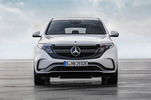 El Mercedes-Benz EQC inaugura la era eléctrica de EQ con 408 hp y +450 km de autonomía