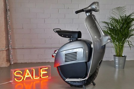 Bel&Bel redefine la movilidad cool: monociclo eléctrico, cuerpo de Vespa y hasta 60 km de autonomía