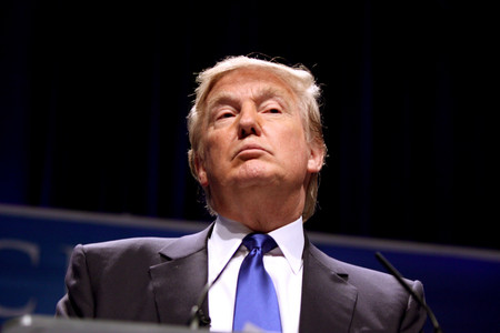 """Trump amenaza a Google y la acusa de """"amañar"""" las búsquedas suprimiendo noticias positivas sobre él"""