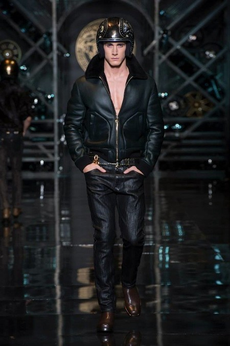 Versace otoño-invierno 2014/2015: Donatella, la reina <em>western</em> de las pasarelas