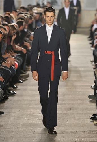 Raf Simons, Primavera-Verano 2010 en la Semana de la Moda de París