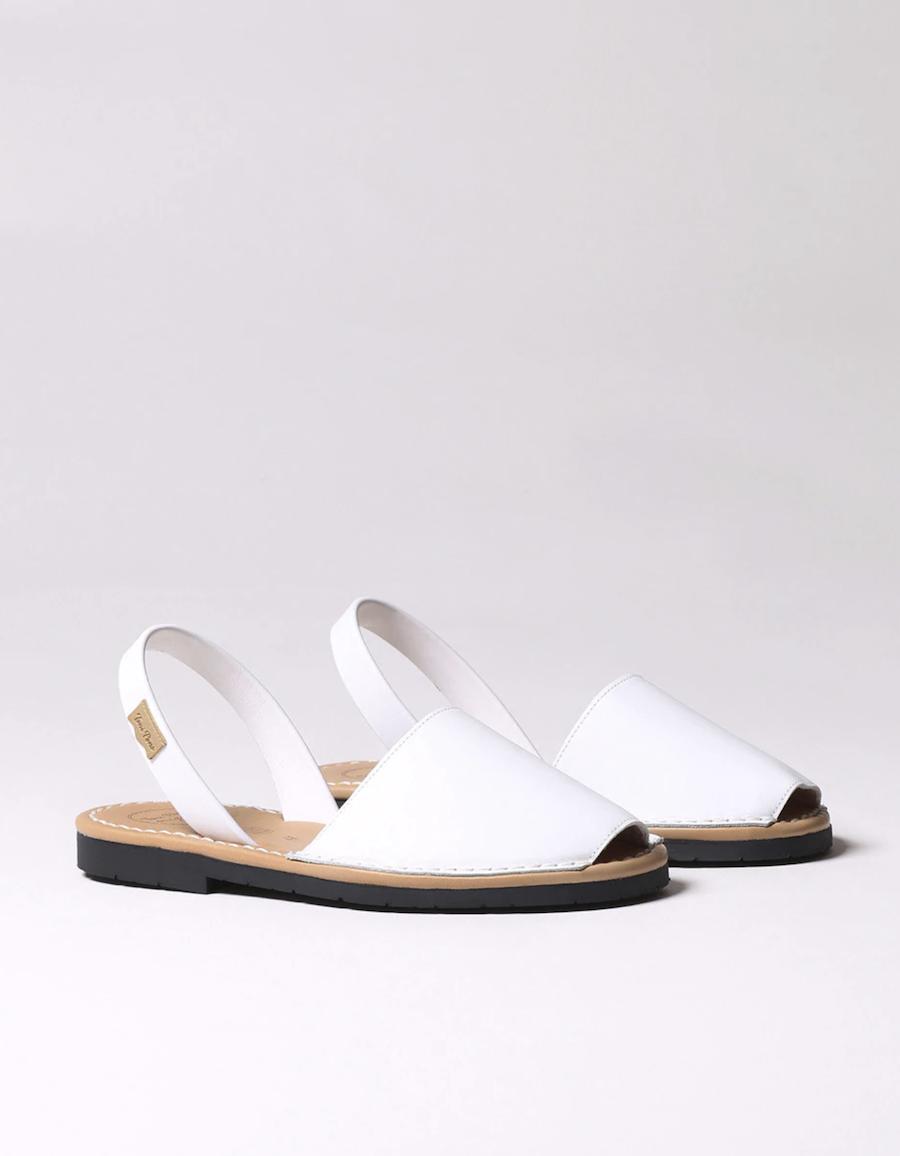 Menorquinas de mujer Toni Pons lisas en color blanco