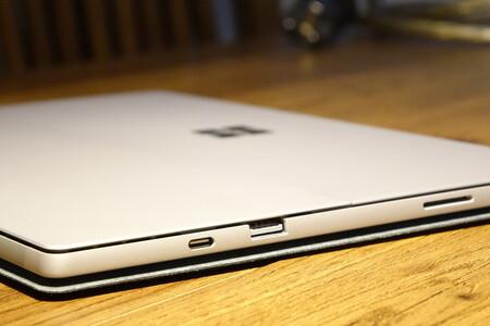 Microsoft Surface Pro 8 y Surface Laptop 4: las primeras fotos filtradas parecen indicar que seguirá el continuismo en el diseño