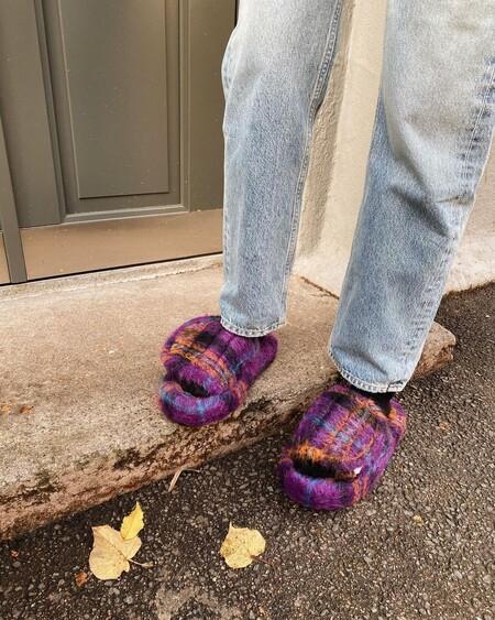 Las sandalias más locas que apuntan a ser tendencia esta primavera-verano 2021 son de pelo, estampadas y las firma Natasha Zinko