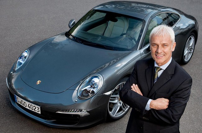 El CEO de Porsche dice que no sabe nada sobre Tesla