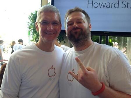 Apple y Tim Cook se unen al día del Orgullo en San Francisco