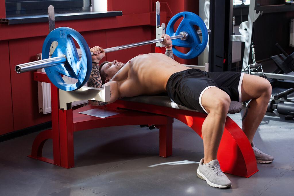 Los cuatro mejores ejercicios para entrenar tu pecho en el gimnasio