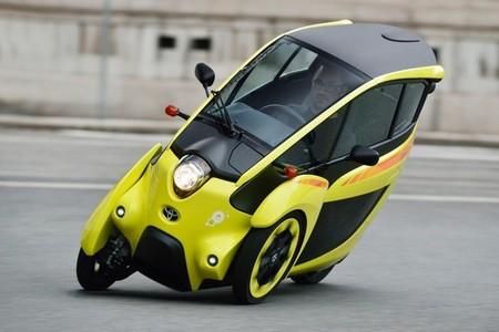 Toyota i-Road, el vehículo eléctrico de Toyota se mueve ya por Tokio