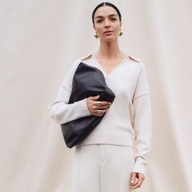 13 bolsos de piel por menos de 30 euros que hemos encontrado aún disponibles en las rebajas de Zara