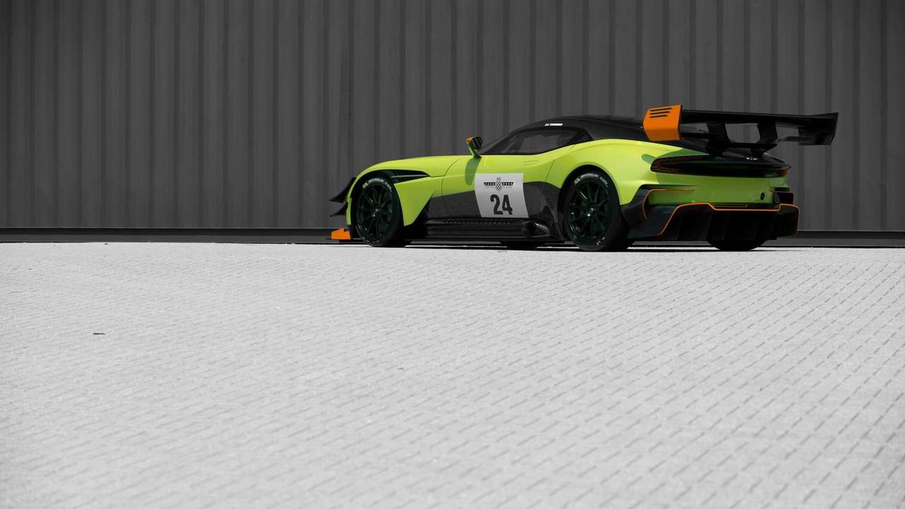 Foto de Aston Martin Vulcan AMR Pro (7/18)
