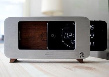 Cdock convierte tu iPhone en un despertador de diseño