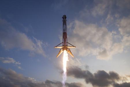 Falcon 9 En Vuelo