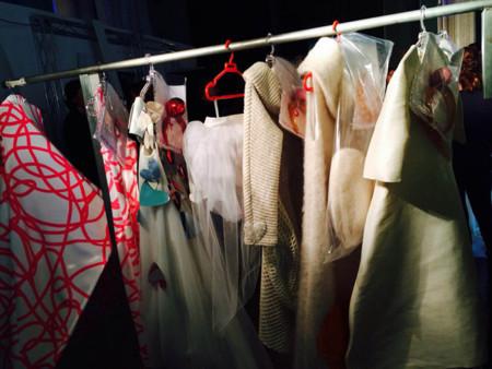 Diseños Agatha Ruiz de la Prada en backstage
