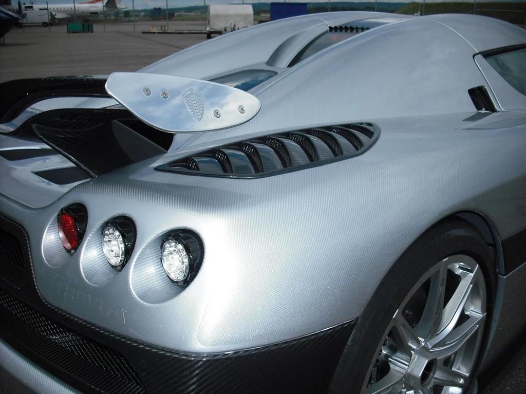 Foto de Koenigsegg CCXR Trevita (9/13)