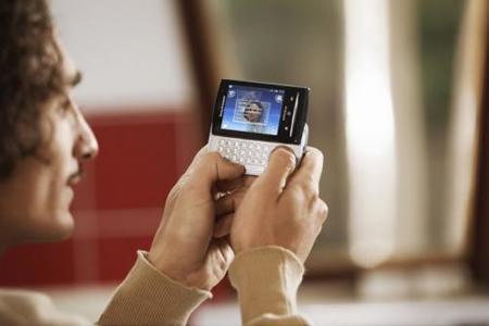 Sony Ericsson presenta Xperia X10 mini y mini pro, el X10 compactado