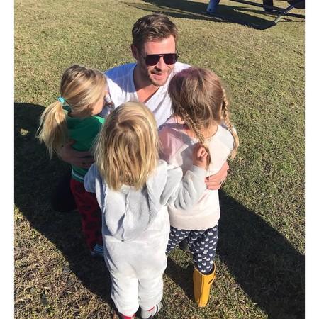 Chris Helmsworth Instagram Elsa Pataky Con Sus Hijos