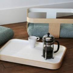 Foto 2 de 4 de la galería mesa-bandeja-escabel-y-cojines-de-suelo-cuatro-en-uno en Decoesfera