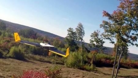 En este vídeo vemos el asombroso vuelo de un drone autónomo a toda velocidad esquivando obstáculos