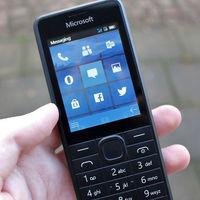 Microsoft RM-1182: el 'teléfono tonto' de Microsoft que imitaba a Windows Mobile y nunca vio la luz