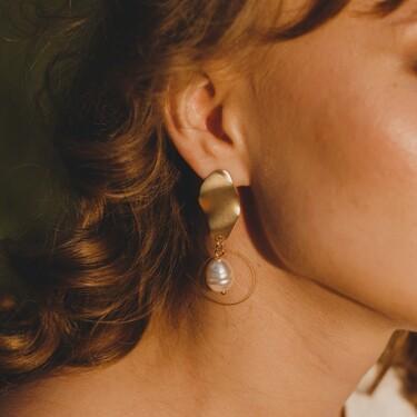 Nueve románticos pendientes con perlas para hacer deslumbrar a mamá en su día
