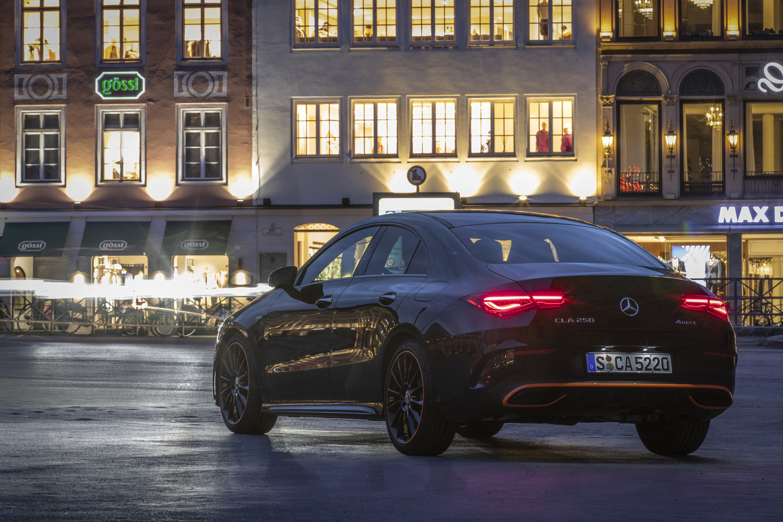 Foto de Mercedes-Benz CLA Coupé 2019, toma de contacto (156/248)