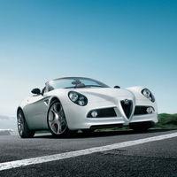 Alfa Romeo planea revivir el 8C como un superdeportivo híbrido que llegará en 2021
