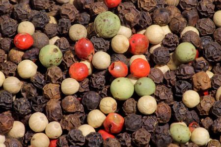 Pimienta: la reina de las especias, de dónde viene y cuáles son los diferentes tipos y sus usos