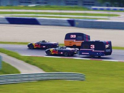 Dos pilotos de Fórmula 1, dos Aston Martin con caravanas y una loca carrera al más puro estilo Top Gear