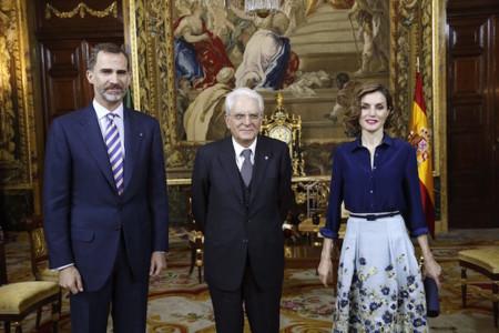 Doña Letizia con falda de flores