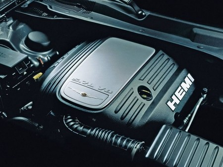 Chrysler dice que las normas CAFE acabarán con los motores V8