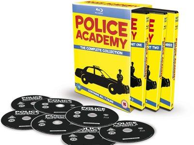 Colección completa Loca Academia de Policía por 15,79 euros y envío gratis