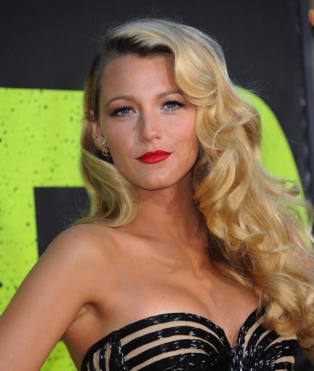 Blake Lively y su look años '50: dejen paso a esta mujer de armas tomar