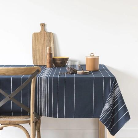 Mantel De Algodon Azul Marino Con Motivos Decorativos De Rayas Blancas 140x210 1000 4 15 204769 1