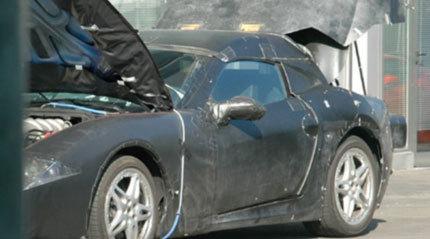 Fotos espía de un nuevo modelo de Ferrari