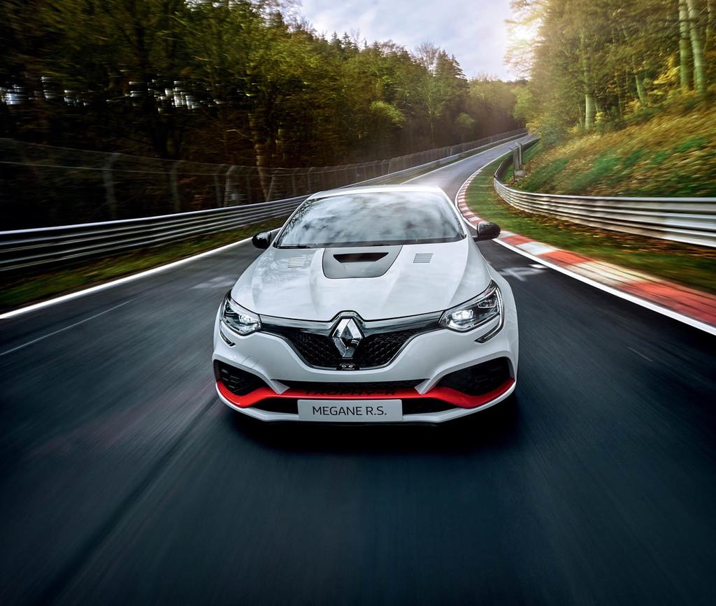 El Renault Megane RS Trophy-R es el nuevo tracción delantera más rápido en el Nürburgring con un crono de 07'40''100