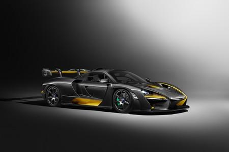 McLaren Senna estrena traje de fibra de carbono, porque un homenaje así lo merece