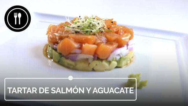 Receta súper rápida de tartar de salmón y aguacate ideal como entrante de Navidad (con vídeo incluido)