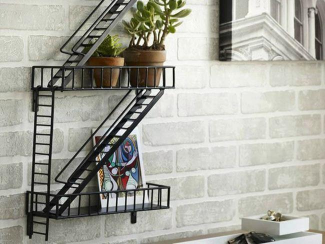 Una estanter a de incendios - Estanteria escalera casa ...