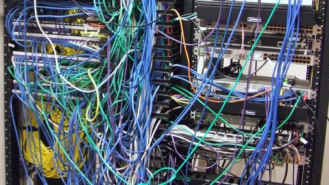 Ordenación del cableado del rack, trabajos a realizar en Navidades