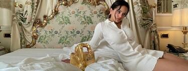 El bolso más escandaloso de Rosalía es dorado y se acompaña de un gran pene