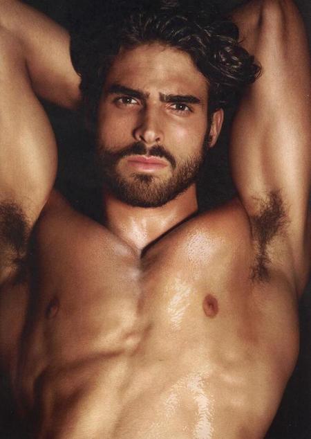 Los estándares de belleza masculina impuestos por los griegos están más vigentes que nunca.