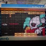 Esto es lo que pasa cuando 160 teclados se transforman en una pantalla retro de 8 bits
