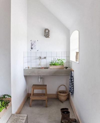 Preciosa vivienda en la que la madera es protagonista absoluta for Abuhardillado