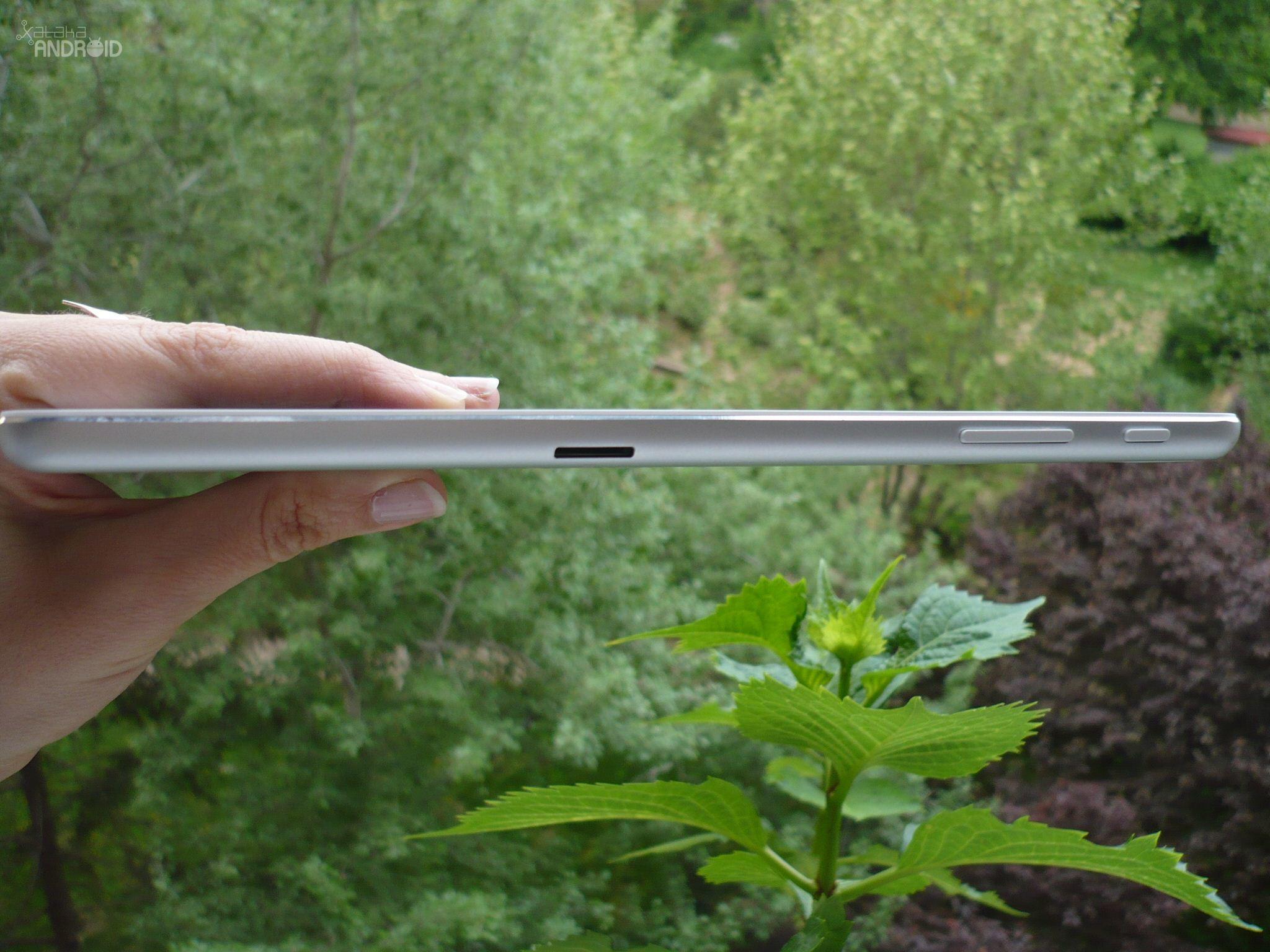 Foto de Acer Iconia A1-830 (11/16)
