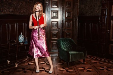 H&M quiere acompañarte en Navidad y de nuevo lanza una colección festiva (y glamourosa) apta para todos los estilos