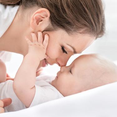 El cerebro de los bebés está programado para buscar y observar rostros y lugares desde la primera semana de nacido