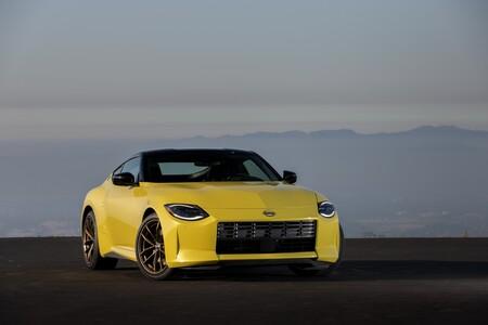 El Nissan Z 2023 es el digno sucesor del linaje Z, con 400 hp y caja manual para hacer sudar al Supra