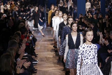 Así ha sido el primer desfile de Dior Alta Costura después de la marcha de Raf Simons como director creativo