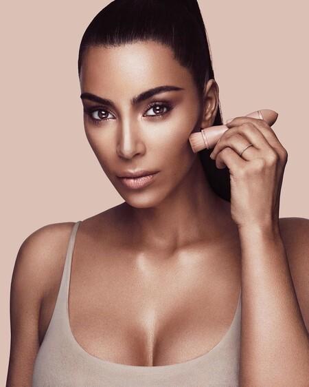 Cómo maquillarse como Kim Kardashian: diez productos imprescindibles en su rutina diaria