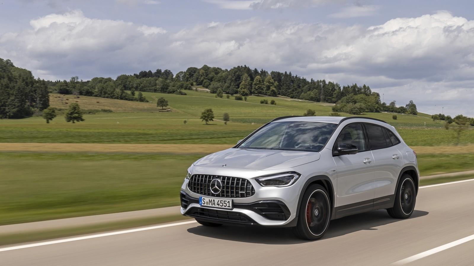 Foto de Mercedes-AMG GLA 45 S 2020 (20/28)